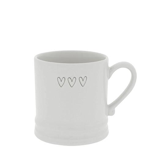 Mittlere Tasse mit drei Herzen, Bastion Collections
