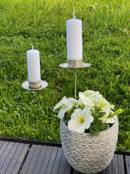 Kerzenstab mit Blumenrand